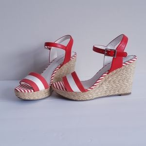 Kelly & Katie wedge sandals red and white size 6